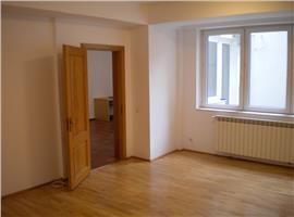 Spatiu office | cabinete| clinica  4 camere dorobanti
