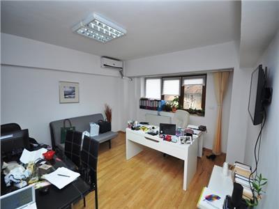 Inchiriere 3 camere din 4 pentru birou Unirii Fantani