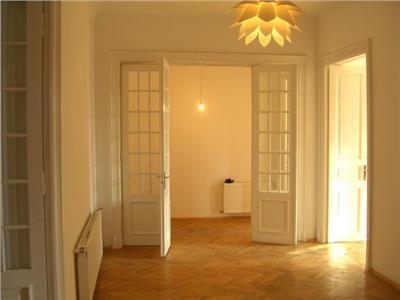 Inchiriere apartament 10 camere rosetti