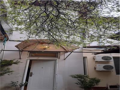 Inchiriere apartament 2 camere cochet la curte parter B-dul Decebal