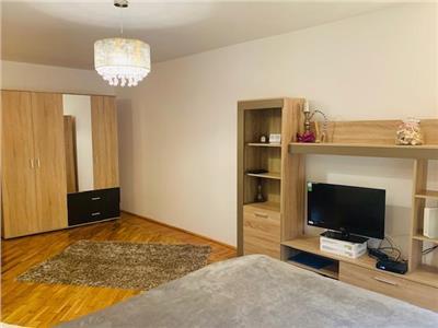 Inchiriere apartament 2 camere la casa, renovat, Ploiesti, zona Nord
