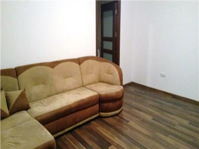 Inchiriere apartament renovat, 2 camere ploiesti, zona democratiei