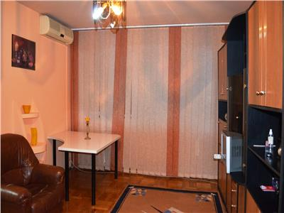 Inchiriere apartament 2 camere, renovat, zona democratiei, ploiesti
