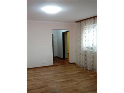 Vanzare / inchiriere apartament 3 camere