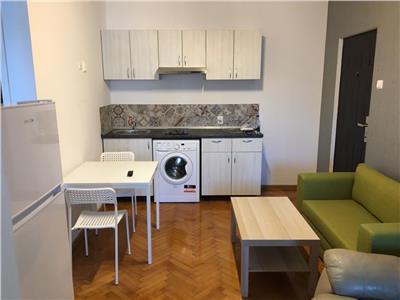 Inchiriere apartament 3 camere  65 mp universitate 390 euro