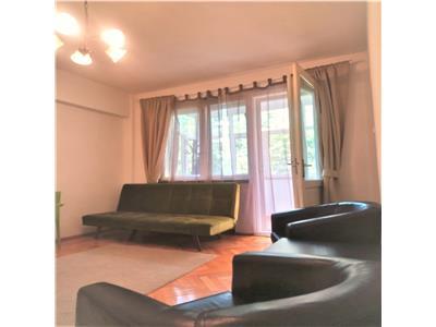 Inchiriere apartament 3 camere  70 mp universitate 400 euro