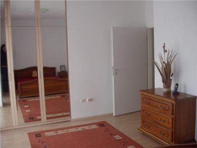 Inchiriere apartament 3 camere bloc 20004 tineretului serban voda