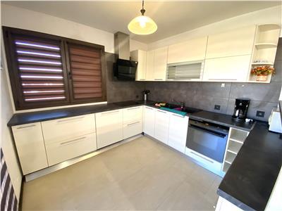Inchiriere apartament 3 camere, bloc nou, in Ploiesti, zona centrala