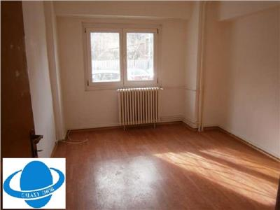 Inchiriere apartament 3 camere Calea Calarasilor parter