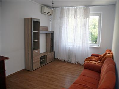 Apartament 3 camere, semidecomandat, 2 bai, crangasi