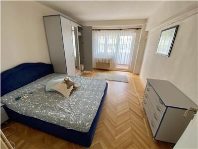 Inchiriere apartament 3 camere Decebal METROU
