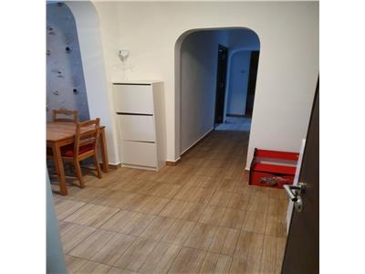 Inchiriere apartament 3 camere decomandat in zona Dristor
