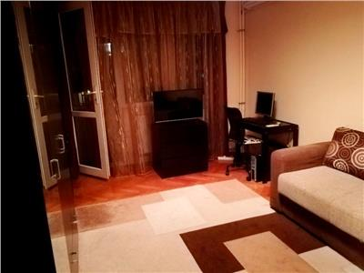 Inchiriere apartament 3 camere decomandat modern parcul tineretului