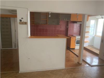Inchiriere apartament 3 camere decomandat Pantelimon