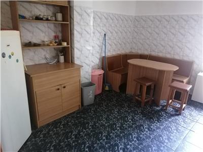 Inchiriere apartament 3 camere decomandat targoviste micro 11