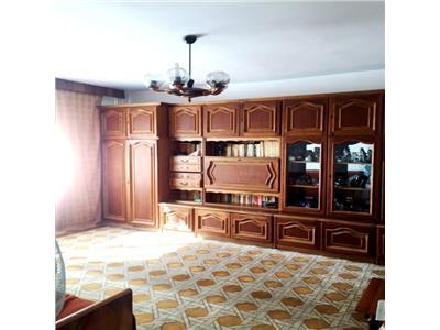 Apartament 3 camere, decomandat, boxa, zona ultracentral, ploiesti