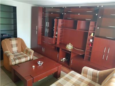 Inchiriere apartament 3 camere decomandat Vitan