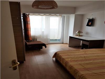 Inchiriere Apartament 3 camere Piata Victoriei 8 min metrou decomandat