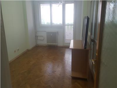 Inchiriere apartament 3 camere Iancului metrou nemobilat