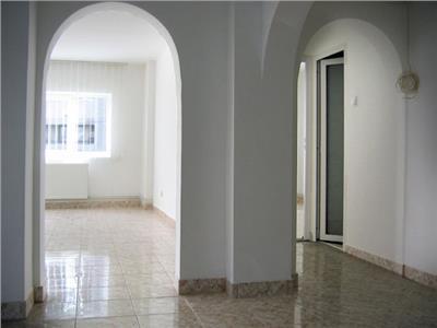 Inchiriere apartament 3 camere, in Ploiesti, Ultracentral
