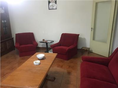 Inchiriere apartament 3 camere, in Ploiesti, zona Marasesti