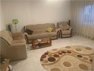 Inchiriere apartament 3 camere, in Ploiesti, zona Paltinis