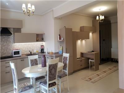 Inchiriere apartament 3 camere lux Ploiesti, zona Albert