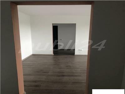 Inchiriere apartament 3 camere nemobilat titan
