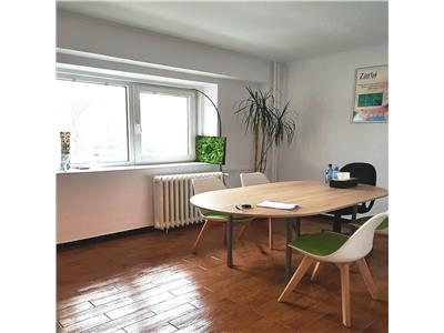 Inchiriere apartament 3 camere, parter, Pt. Victoriei, pentru birou