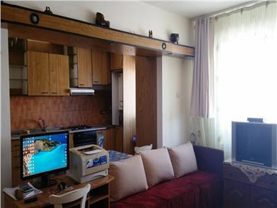 Inchiriere apartament 3 camere, Ploiesti, zona Bdul Bucuresti