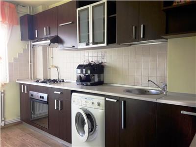 Inchiriere apartament 3 camere, Ploiesti,  Malu Rosu, centrala proprie