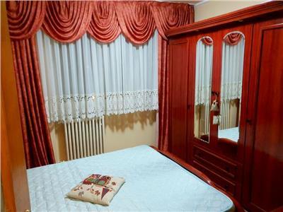 Inchiriere apartament 3 camere Stefan cel Mare / Lizeanu stradal