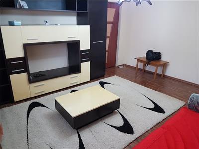 Inchiriere apartament 3 camere,targoviste,micro4