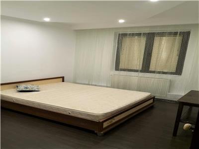 Inchiriere apartament 3 camere DRISTOR 4 min metrou centrala proprie