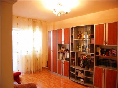 Inchiriere apartament 3 camere, zona Vest, Ploiesti
