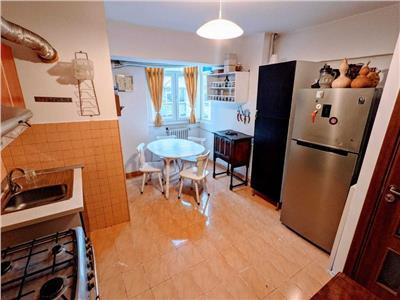 Inchiriere apartament 4 camere, Calea Rahovei, decomandat, mobilat