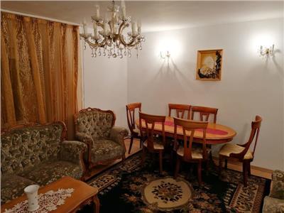 Inchiriere apartament 4 camere decomandat Mall Vitan / CT si parcare