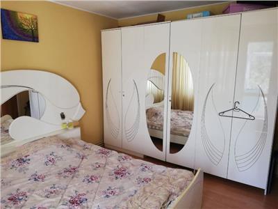 Inchiriere apartament 4 camere decomandat titan-piata trapezului