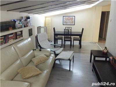 Inchiriere apartament 4 camere, mansarda in vila, Piata 1 Mai