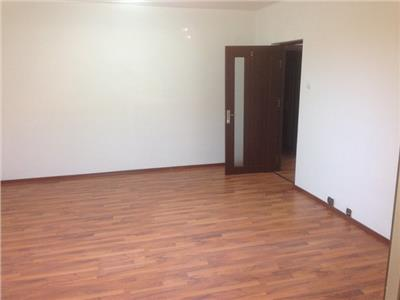 Inchiriere  apartament 4 camere, nemobilat bulevardul Unirii