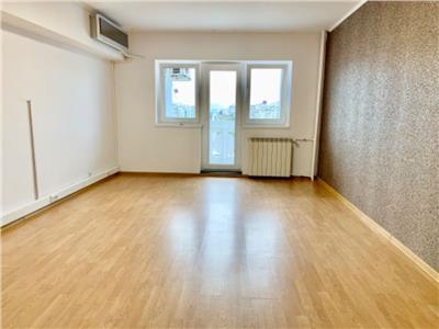 Inchiriere apartament 4 camere nemobilat Piata Alba Iulia