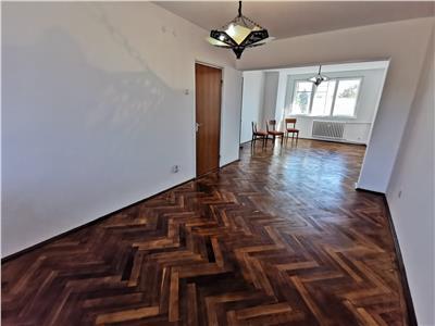Inchiriere apartament 4 camere nemobilat , Ploiesti, ultracentral
