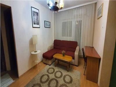Inchiriere apartament 4 camere Teiul Doamnei