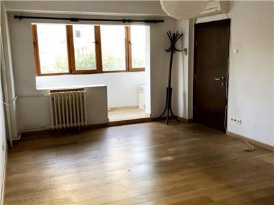 Inchiriere apartament 4 camere Teiul Doamnei / Grigore Ionescu