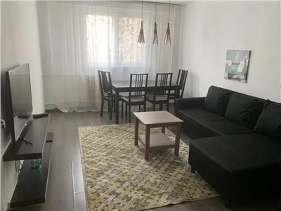 Inchiriere apartament 4 camere, Victoriei, decomandat 4 min metrou,