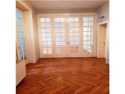 Inchiriere apartament 5 camere birouri calea mosilor/ str. eminescu