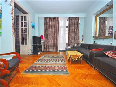 Inchiriere apartament cu 5 camere in vila interbelica Bucuresti