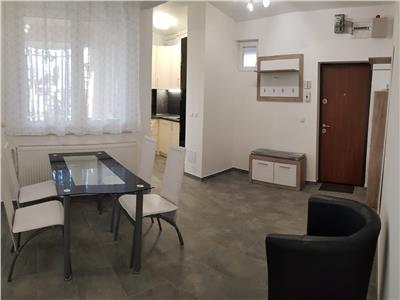 Inchiriere apartament cu 3 camere, renovat, langa liceul economic