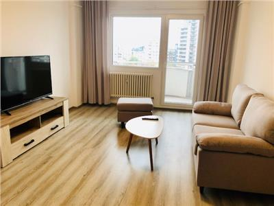 Inchiriere apartament, 2 camere, renovat, zona Ultracentrala, Ploiesti