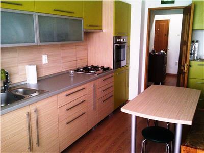 Inchiriere apartament de lux, 3 camere, zona Republicii, Ploiesti